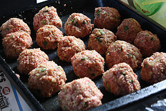Mozzarella Stuffed Meatball Recipe picture 32