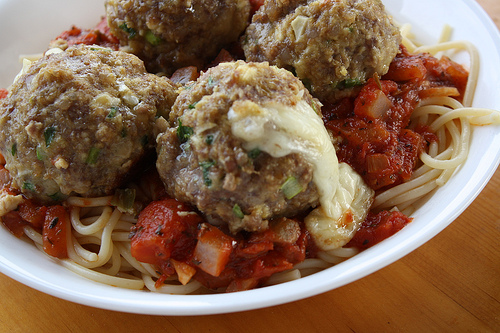 Mozzarella Stuffed Meatball Recipe picture