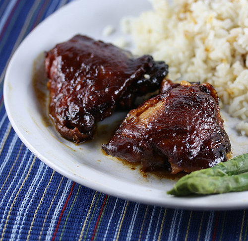 Slow Cooker Saucy Chicken Thighs