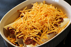 Simple Chili Dogs