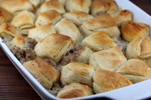 Simple Biscuits and Gravy Casserole Recipe