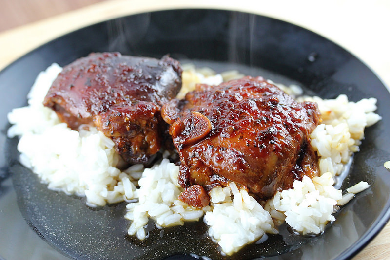 honey-garlic-slow-cooker-chicken-thighs