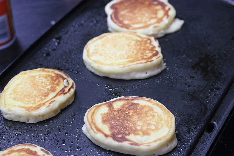 buttermilk pancakes for two prep picture 4
